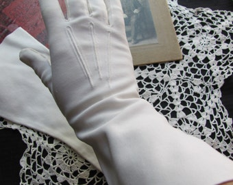 Vintage Retro White Hand Stitched Ladies Gloves - 13 Inches Long