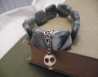 Bracelet Fidget: Magnesite Skull with Marble, Halloween