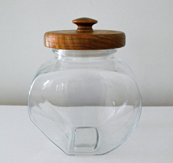vintage clear glass canister with wooden lid glass by bobann23. Black Bedroom Furniture Sets. Home Design Ideas