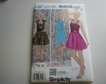 Pattern Ladies Party Dress 3 Styles Sizes 4 to 12 Simplicity 1497