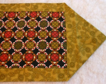 Cotton Table Runner Circle Wreath Olive Brown