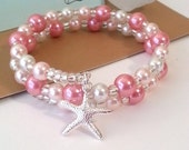 Two tone pink pearl memory wire bracelet with starfish charm, beach bracelet - beachseacrafts