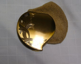 Vintage Elgin American heart Climbing vines gold tone compact and sleeve