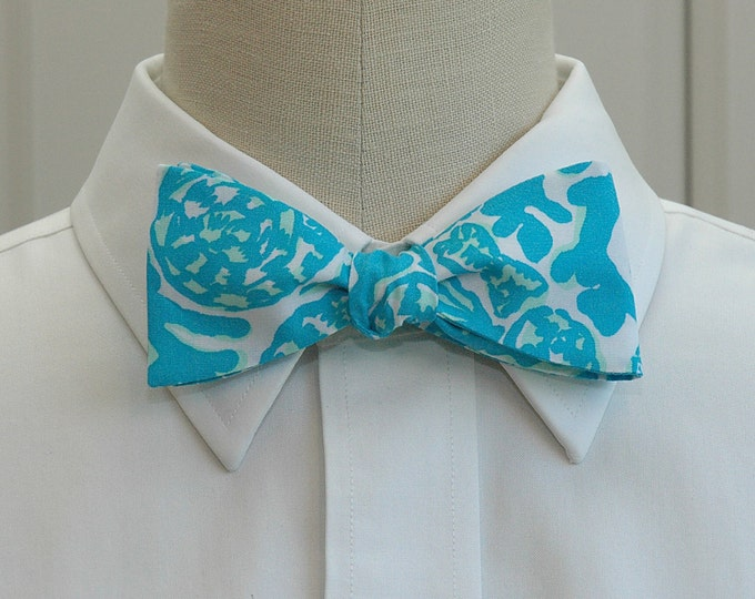 Men's Bow Tie, Party Favors turquoise Lilly print, groomsmen gift, wedding bow tie, turquoise bow tie, groom bow tie, wedding party bow tie