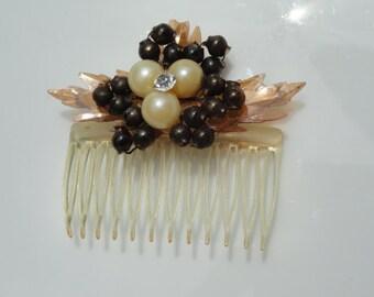 Wedding Hair comb, Vintage Hair Comb, rhinestone hair comb, holiday hair comb, beaded hair accessory