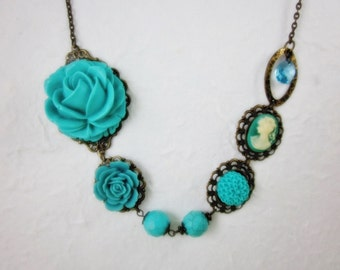 Turquoise Roses Necklace. Lovely Gift for her.  For Bride, Birthday, Christmas, Maid of Honor, Vintage Wedding. Bridal Jewelry.