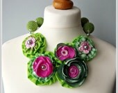 Statement necklace, fabric flower necklace, yo yo necklace, green fabric necklace, fabric jewerly.