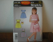 Simplicity 4658 It's So Easy Sewing Pattern - Girl's dress and purse