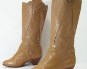 knee high boots womens 6 M nude skin tan leather leather fashion heels