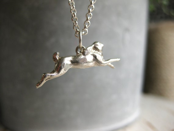 Fälthare - sterling silver hare necklace with leaf clasp
