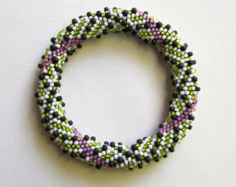 Bead Crochet Pattern:  Lime Twist Bead Crochet Bangle Pattern