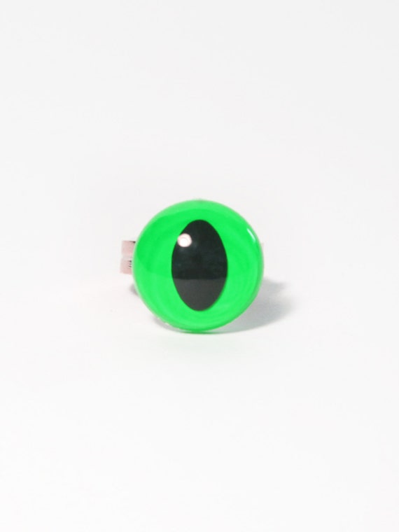 Neon Green Cat Eye Ring