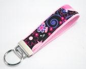 Fabric Key Fob, Key Chain, Key Ring, Key Holder, Wristlet Key Fob, Wristlet Keychain, Fabric Key fobs-Singing Tweeties