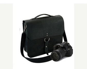 "10"" Black Napa Midtown Leather Camera Bag"