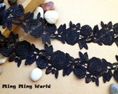 Venice Lace Trim - 2 yards Black Rose Lace Trim  (L105)