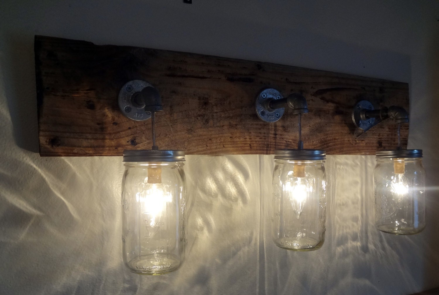 Mason jar hanging light fixture rustic reclaimed barn wood for Hanging lights made from mason jars