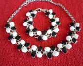 Black and White Thermoset Necklace and Bracelet Set