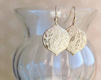 15% OFF - Timeless Beauty Earrings