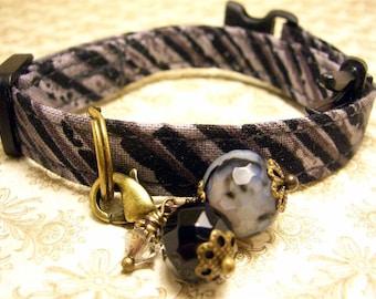 Safety cat collar- Cat charm - Gemstone charm - Diagonal stripes - Black - Gray - Antique Brass