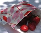 SNACKABY dishwasher-safe reusable sandwich bag Pink Leaves