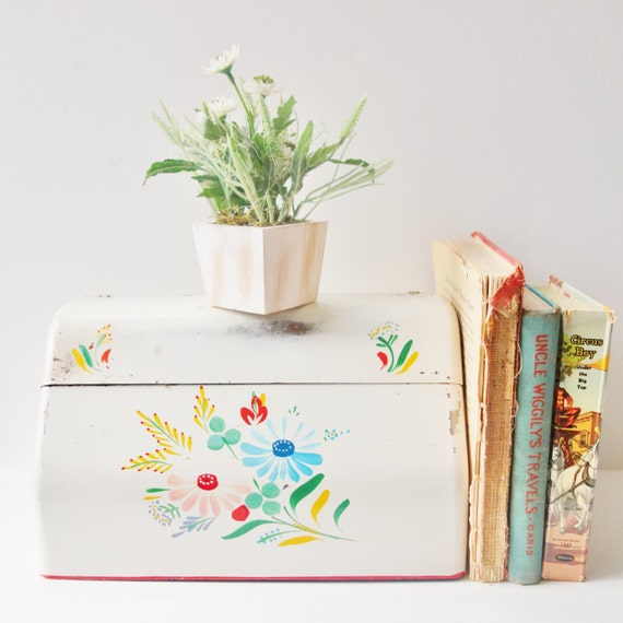 Vintage Kitchen Wrap Holder, Handpainted metal, Retro kitchen, floral pattern, shabby chic decor, baked enamel.kitchen organization,folk art