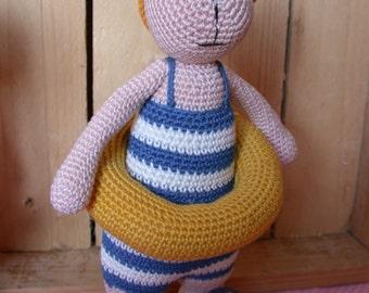 Dutch crochet pattern swimmingDolf
