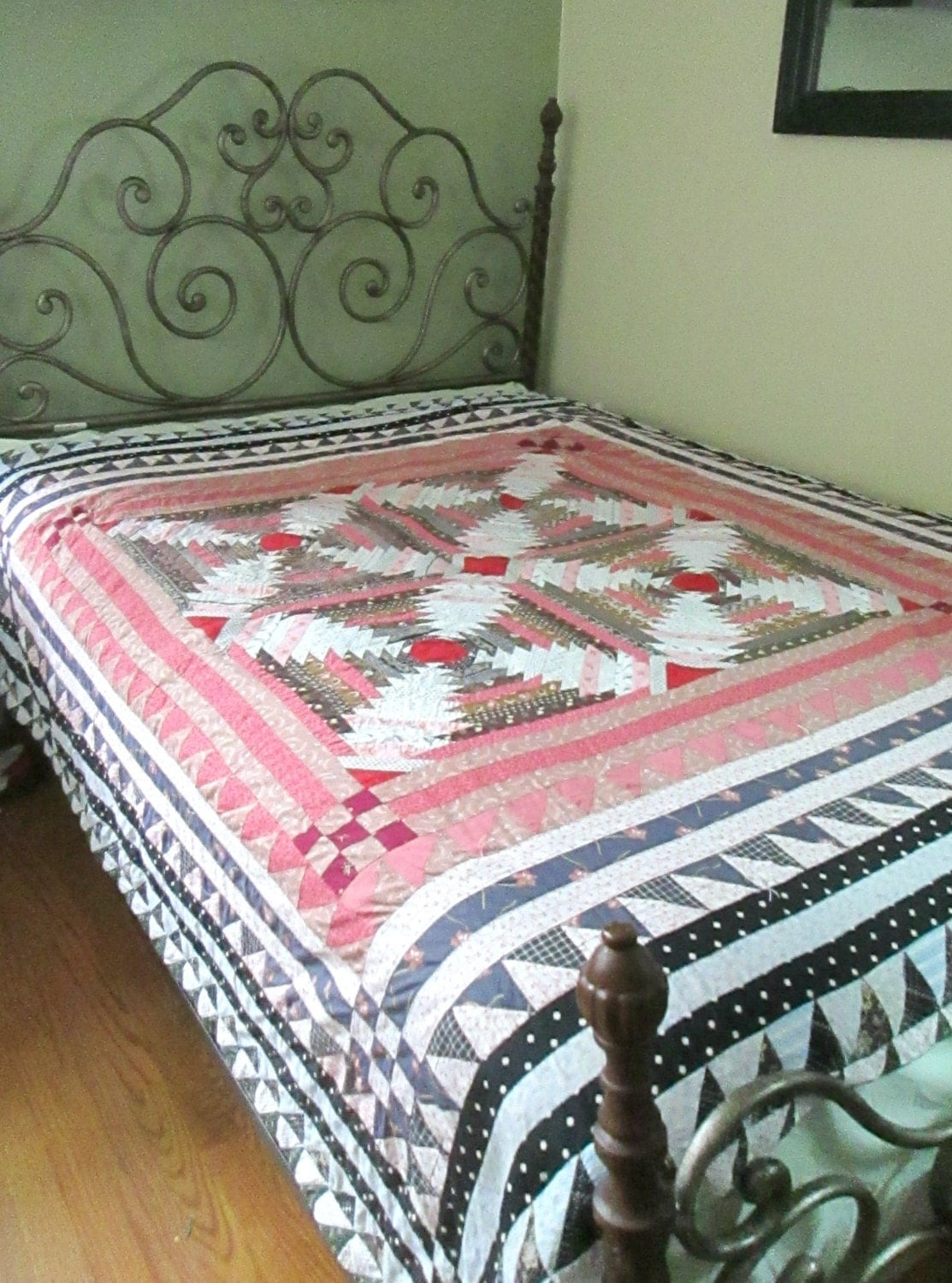 Twin Full Bed Quilt Reversible Vintage Bedding by looseendsvintage
