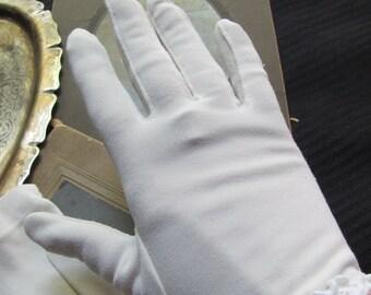 Beautiful White Ladies Nylon Wrist Gloves Stretch