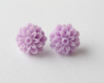 Purple flower stud Earrings - Stud Earrings - lilac earrings - flower earrings - post earrings - Canada - cabochon earrings
