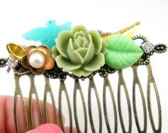 Mint Green English Rose Flower Rhinestone Collage Comb - OOAK Victorian Style Flower Collage Hair Comb - Bridesmaids Gifts Idea - VCC027