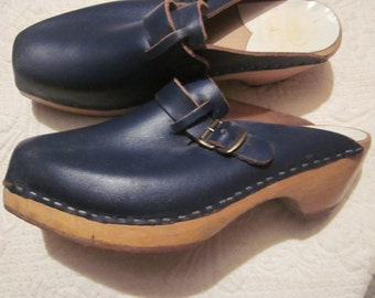 vtg swedish clogs, wood sole, navy square toe clogs, sz 40, clogs