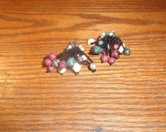 vintage clip on earrings wood bead cluster