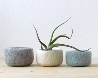 Felted wool bowls / light grey, white, grey green / minimalist home decor / desktop organizer / Eco-friendly gift