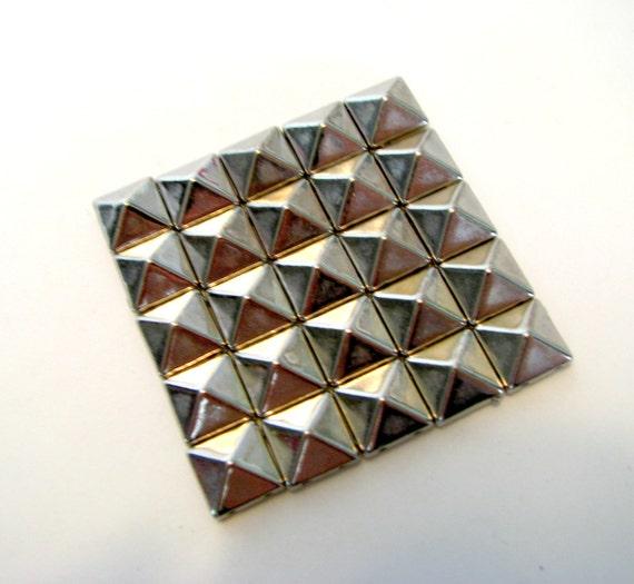 25 Large Bright Silver Pyramid Stud Beads 10 X 10 X 5mm