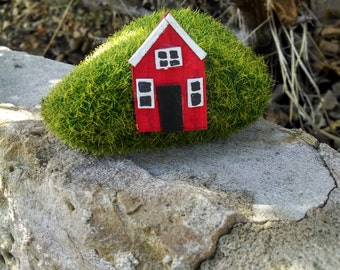One little gnome home