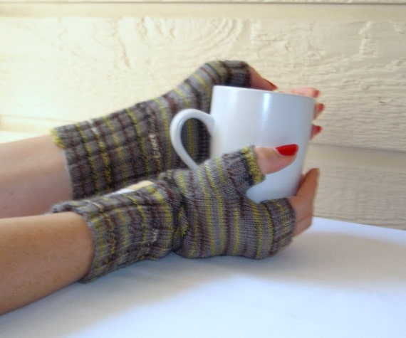 Warm Fingerless Mitts in Foggy Gray