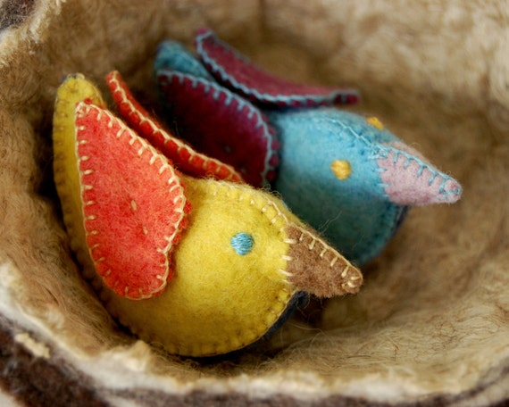 Multicolored FELT Love Birds -- Pure Wool Handmade Felt -- Couple Wedding Cake TOPPERS Weeding Gift