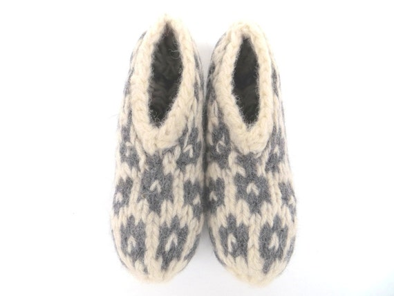 """Natural eco friendly felt slippers """"Katla"""", size S, pure organic wool, knitted, felted, white, dark gray/grey, charcoal, OOAK, one of a kind"""
