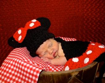 Crochet Cuddle Cape Set - Minnie Mouse