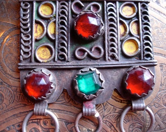 Moroccan  enamel jewel and coin pendant (1)