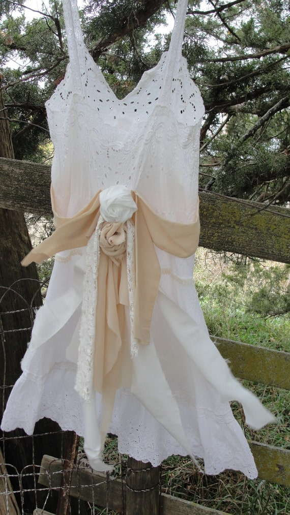 Shabby chic Mori girl Gypsy boho hippie wedding dress vintage