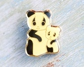 Baby Panda and Mummy Panda Badge