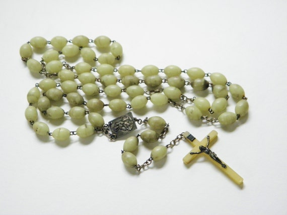 Vintage Jade Green Lucite Florescent Cross Rosary 40s