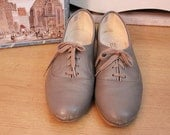 Grey tennis shoes oxford lace up SIZE 8