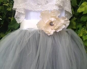 Silver Gray Flower Girl Tutu Dress with Lace Collar / Tutu Gown / Junior Bridesmaids / Gray Tutu