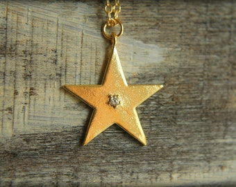 Diamond Star Necklace in Gold