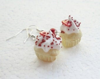 Heart Cupcake Earrings. Polymer Clay.