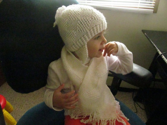 Knitting Toddler Baby White Winter Scarf With Fringe,  Usa Seller