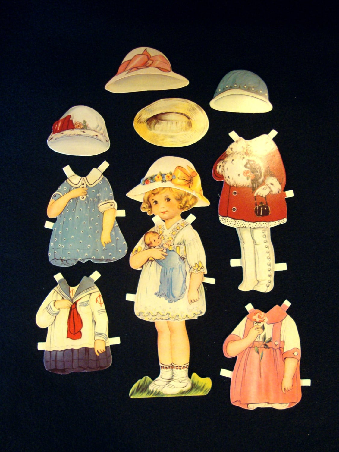 Old fashioned paper dolls 79