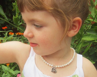 Children's Personalized Necklace.Girl's Pearl Necklace with Initial. Baptism Gift. Flower Girl Necklace. Childs Pearl Jewelry. New Baby Gift